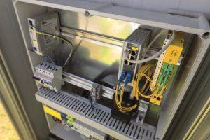 Daten werden gesteuert durch Managed Ethernet Switches von Phoenix Contact