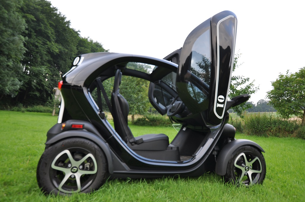 Seitenansicht eines Renault Twizy