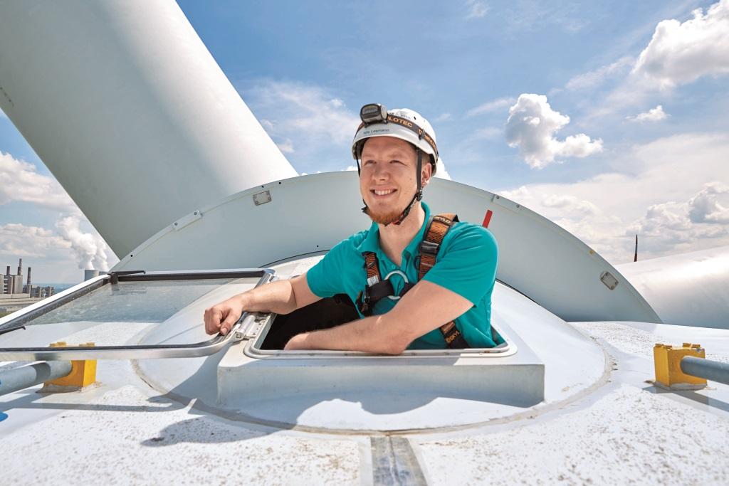 Als Mechatroniker für Windenergie hoch hinaus