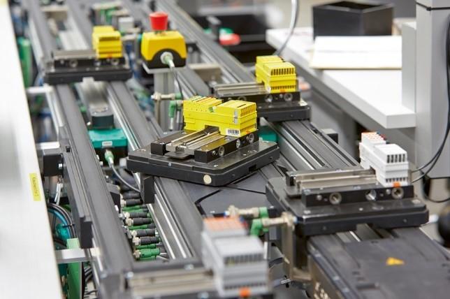 Funktionale Sicherheitskomponenten auf dem Fließband