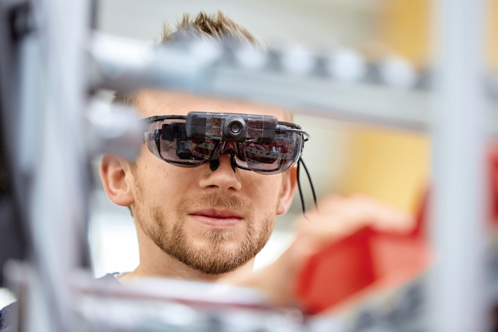Mit Augmented Reality durch die Smart Factory