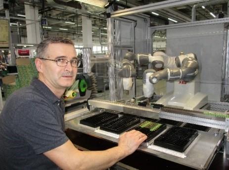 Kollaborativer Roboter in einer Smart Factory