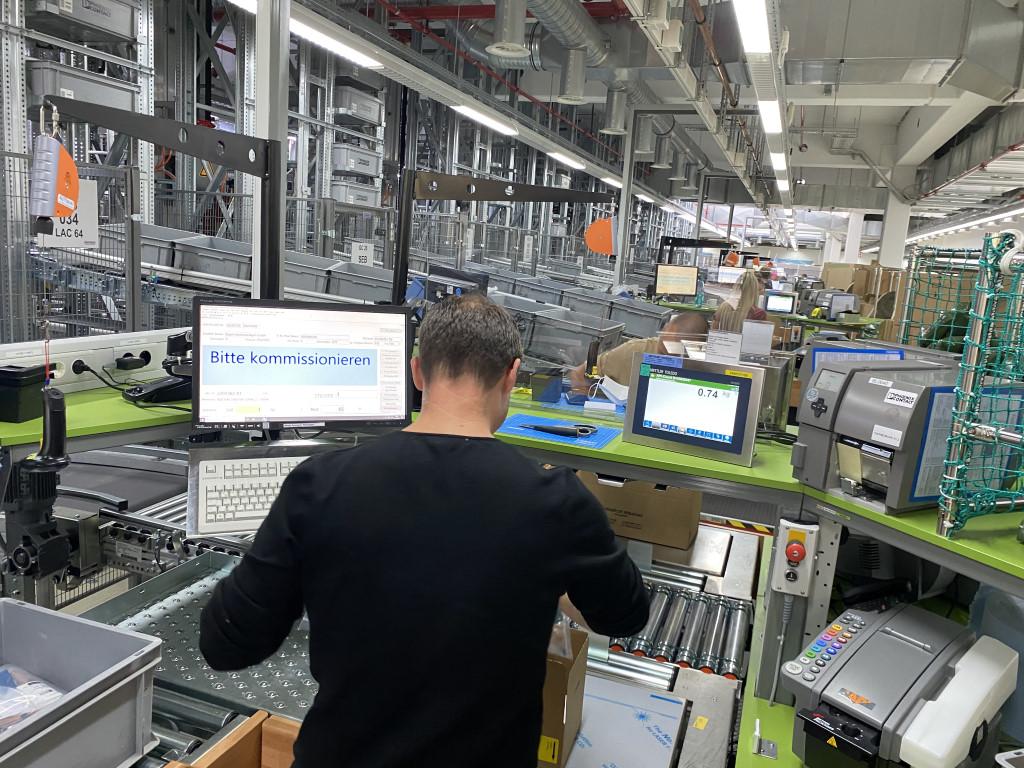 Trennwände sichern in der Logistik die Arbeitsplätze