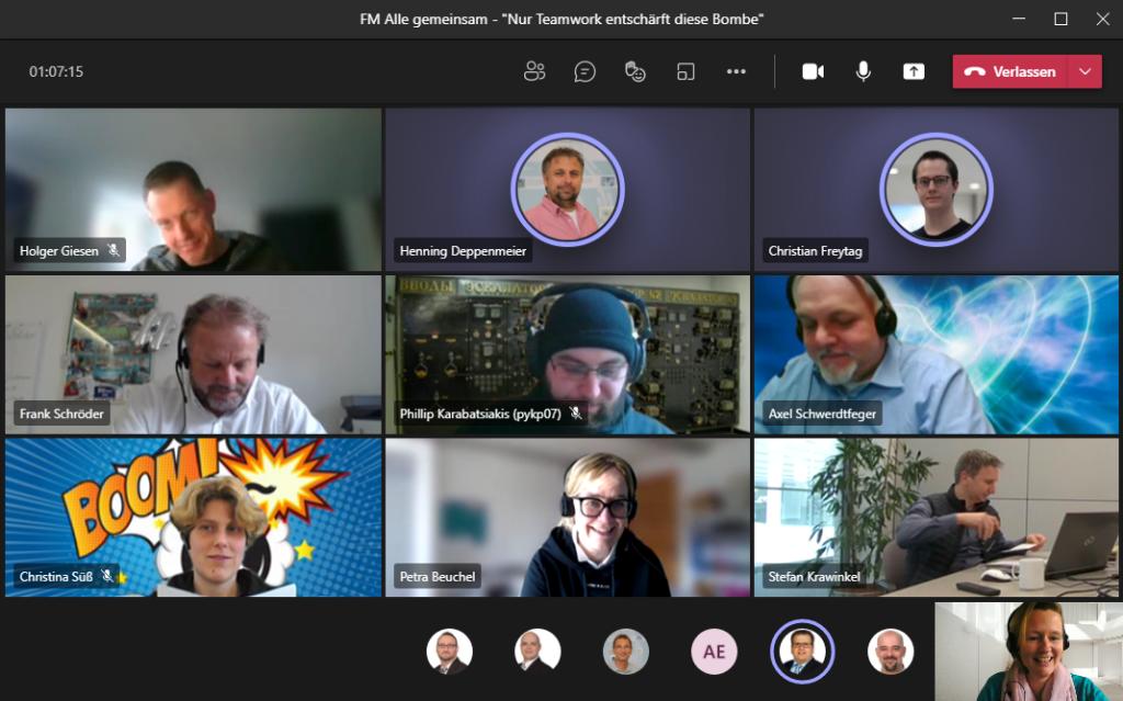 Teamwork bei digitaler Weihnachtsfeier