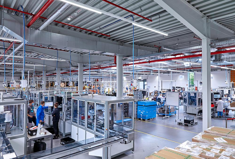 Phoenix Contact E-Mobility inaugura novas instalações de produção na Alemanha e Polônia