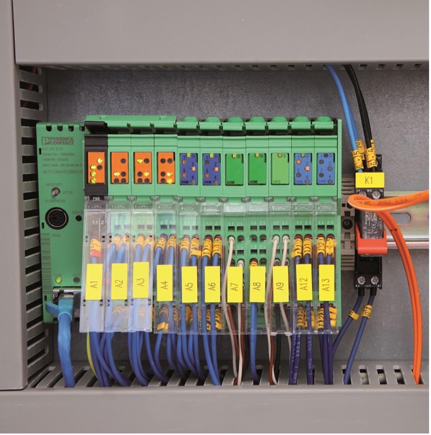 Şekil 1: ILC 151 ETH Inline kontrolör bağlı I/O modülleriyle tüm işletme bilgilerinin merkezi toplama ünitesidir.